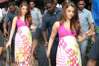 aishwariya pregnancy dress