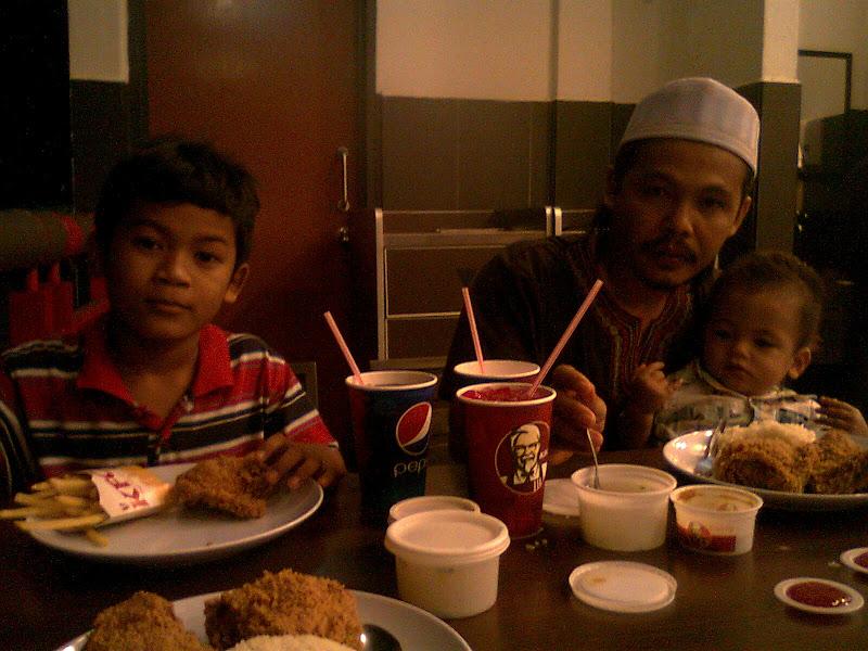 family, makanan, kfc, kepsi, menu baru kfc, kfc tesco, kfc stadium, resepi ayam gorang kfc, makan kfc, nasi ayam percik, ayam percik kfc,