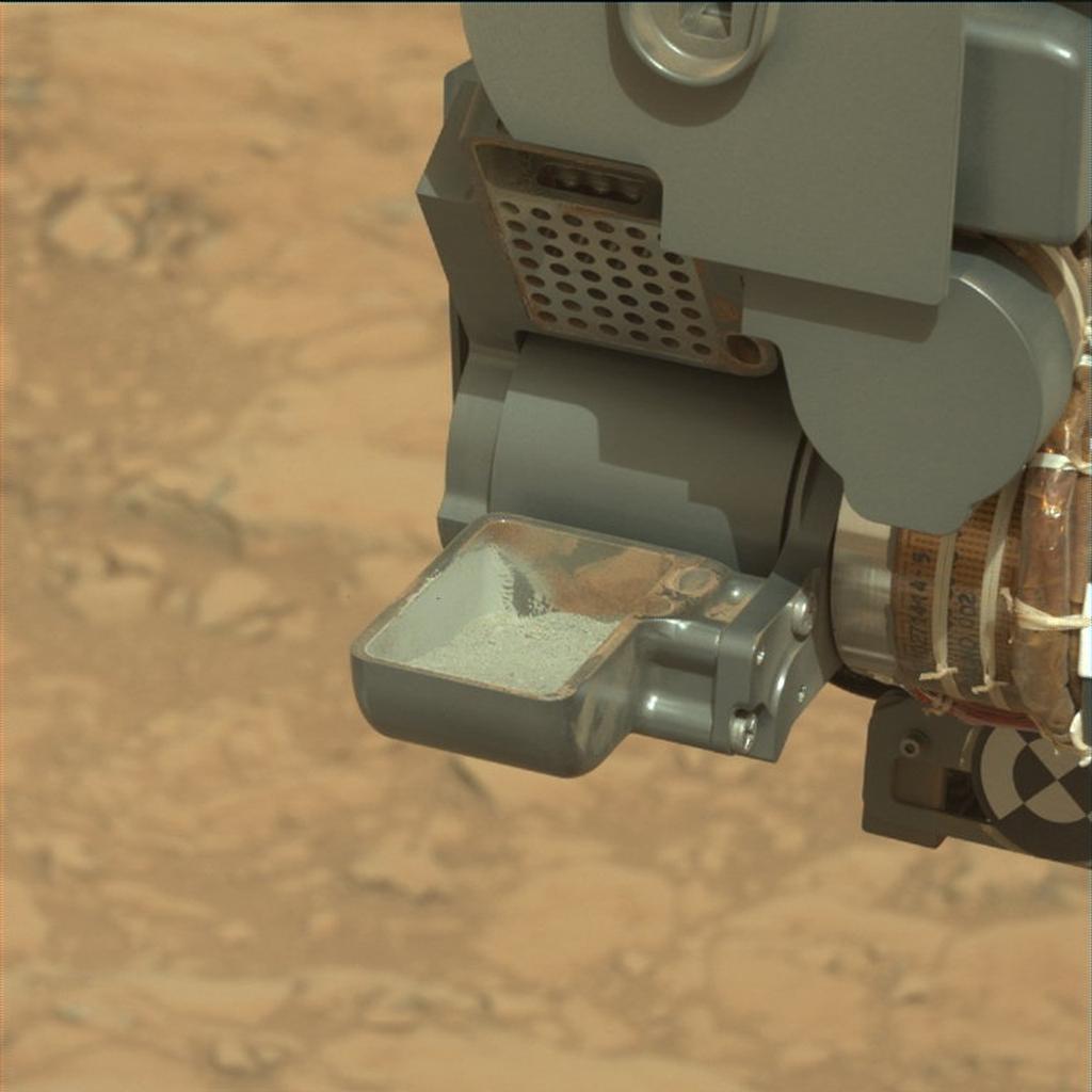 Seguimiento del Curiosity en Marte - Página 4 McCloskey-1pia16729raw-br2