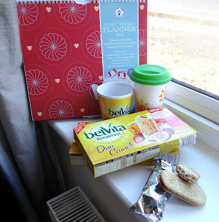belVita breakfast biscuits, breakfast on the go, Strawberry and cream biscuits