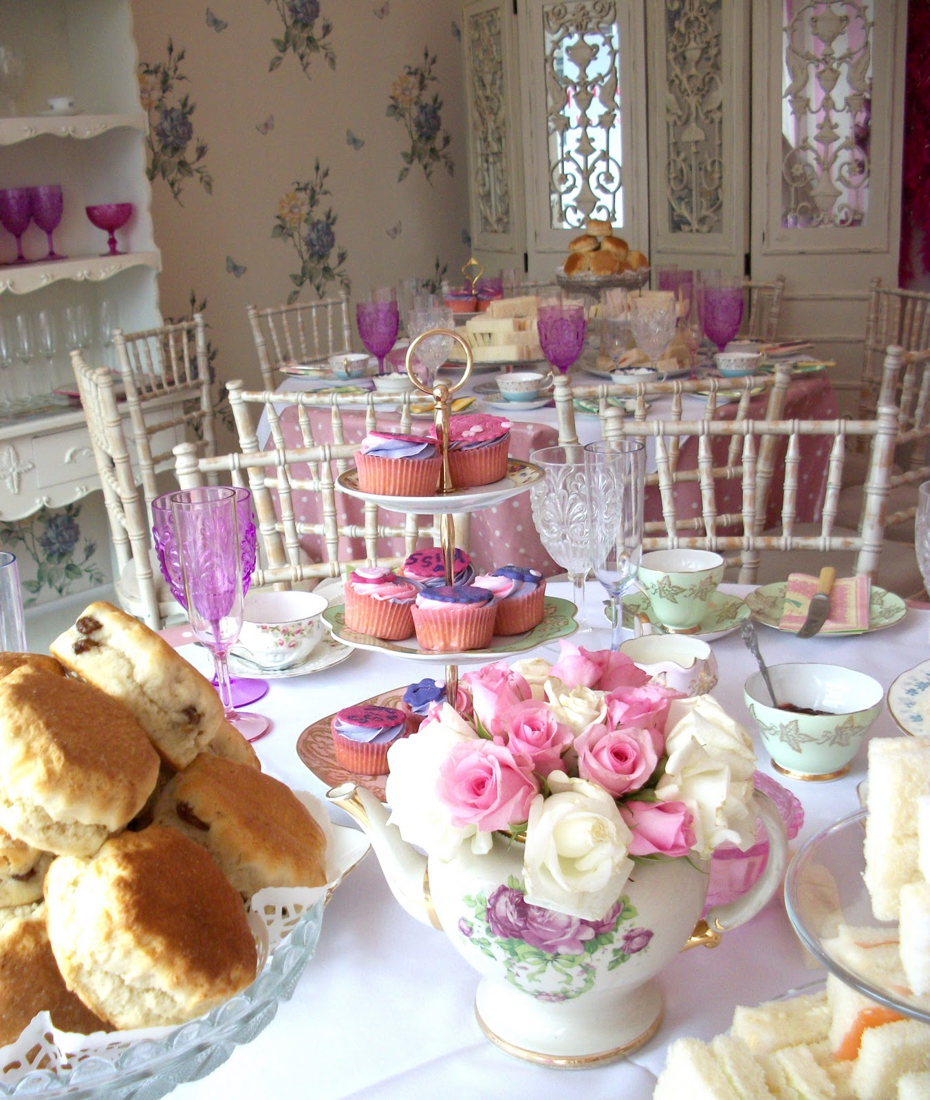 English Tea Party Decorations: Les Enfants, Stylish Children's Parties Blog: November 2011