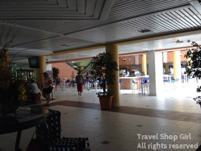 Front Lobby at the Holiday Inn Sunspree resort