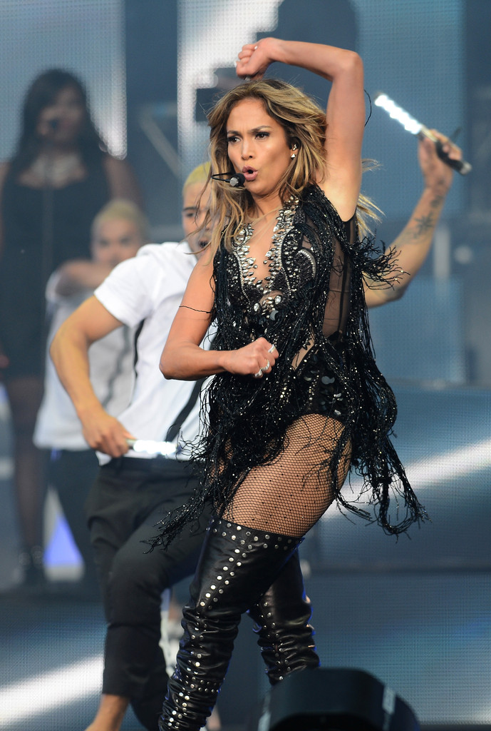 Jennifer Lopez Spicy Pics At Chime For Change The Sound Of: where does jennifer lopez live