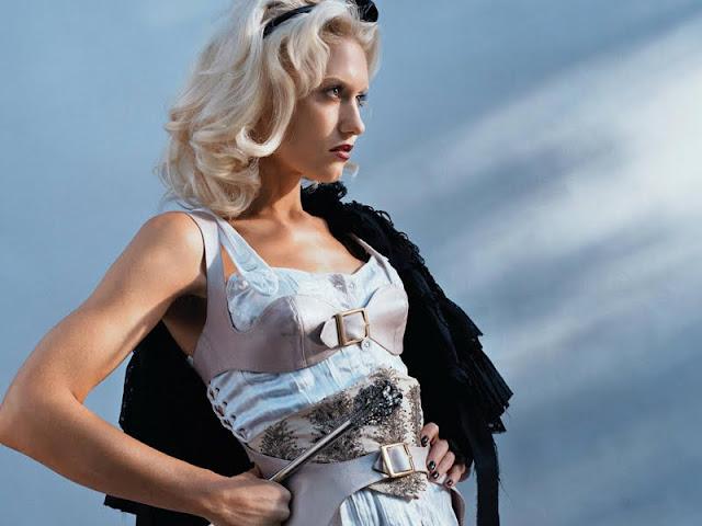 Gwen Stefani lingerie
