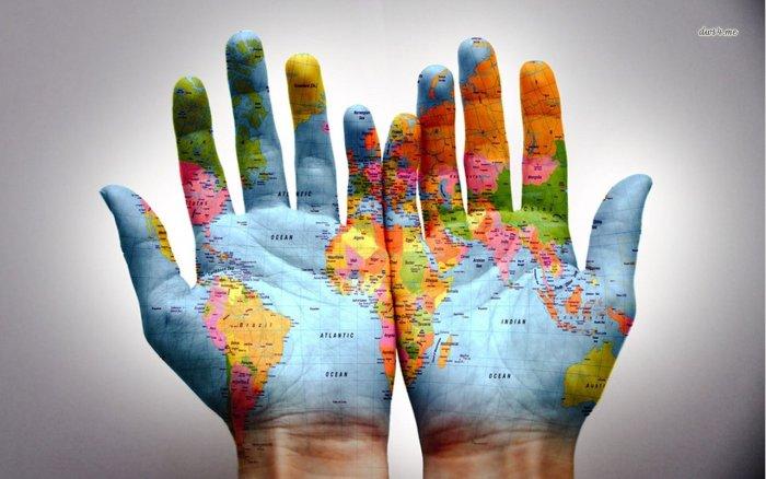 harta lumii pe maini