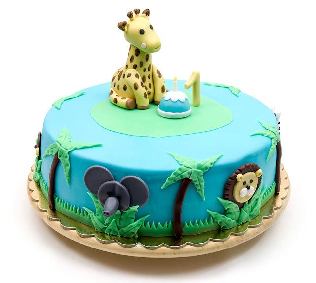 Giraffe Sophie jungle fondant cake elephant lion