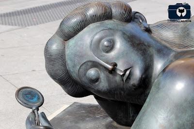 Mujer con Espejo - Descubriendo Mayrit