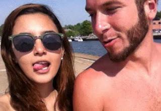 (Gambar) Juliana Evans bersama kekasih baru di US? Siap 'main lidah' tuh!