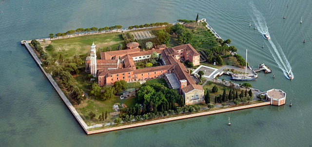 """Aerial photographs of Venice 2013, Anton Nossik, 014"" by Anton Nossik - https://picasaweb.google.com/lh/photo/AIE0xiqNpo8qX5cnpWXwjNMTjNZETYmyPJy0liipFm0. Licensed under CC BY 3.0 via Commons - https://commons.wikimedia.org/wiki/File:Aerial_photographs_of_Venice_2013,_Anton_Nossik,_014.jpg#/media/File:Aerial_photographs_of_Venice_2013,_Anton_Nossik,_014.jpg"