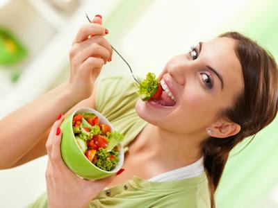 Salad-diet buah-kecantikan-penuaan dini-kesehatan kulit