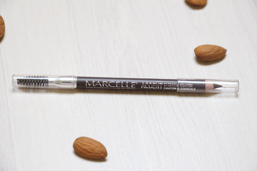 test crayon sourcils accent marcelle