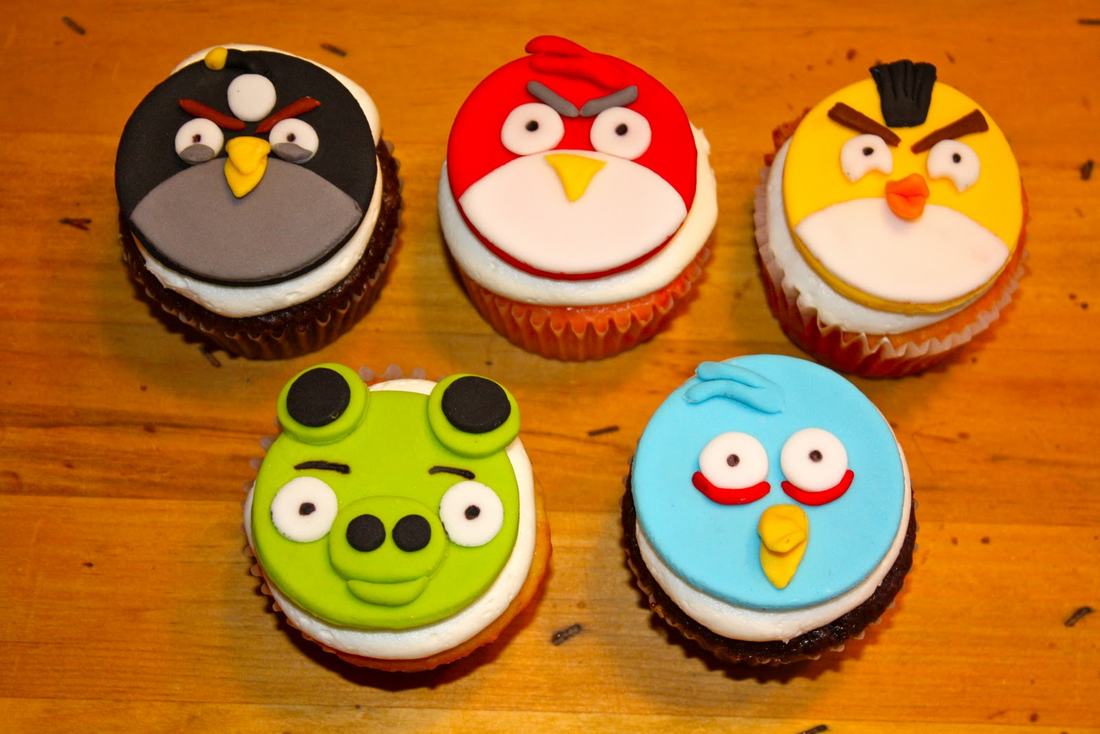 Edible Cake Toppers - Edible images for all occasions Angry birds edible cupcake images