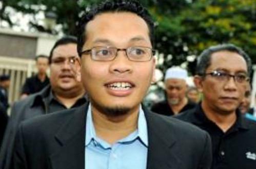 Nik Nazmi kata Khairy Jamaluddin patut jadi bintang TV saja
