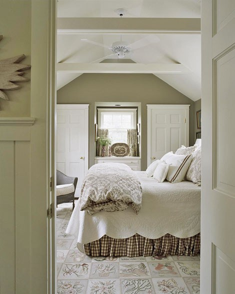 Bungalow love cottage style bedrooms for Cottage style decorating bedroom ideas
