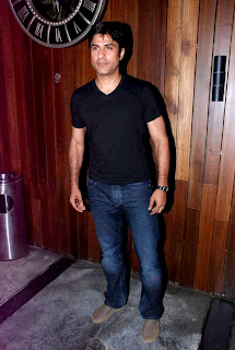 Mandira Bedi & Other Celbs at Cafe Mangii