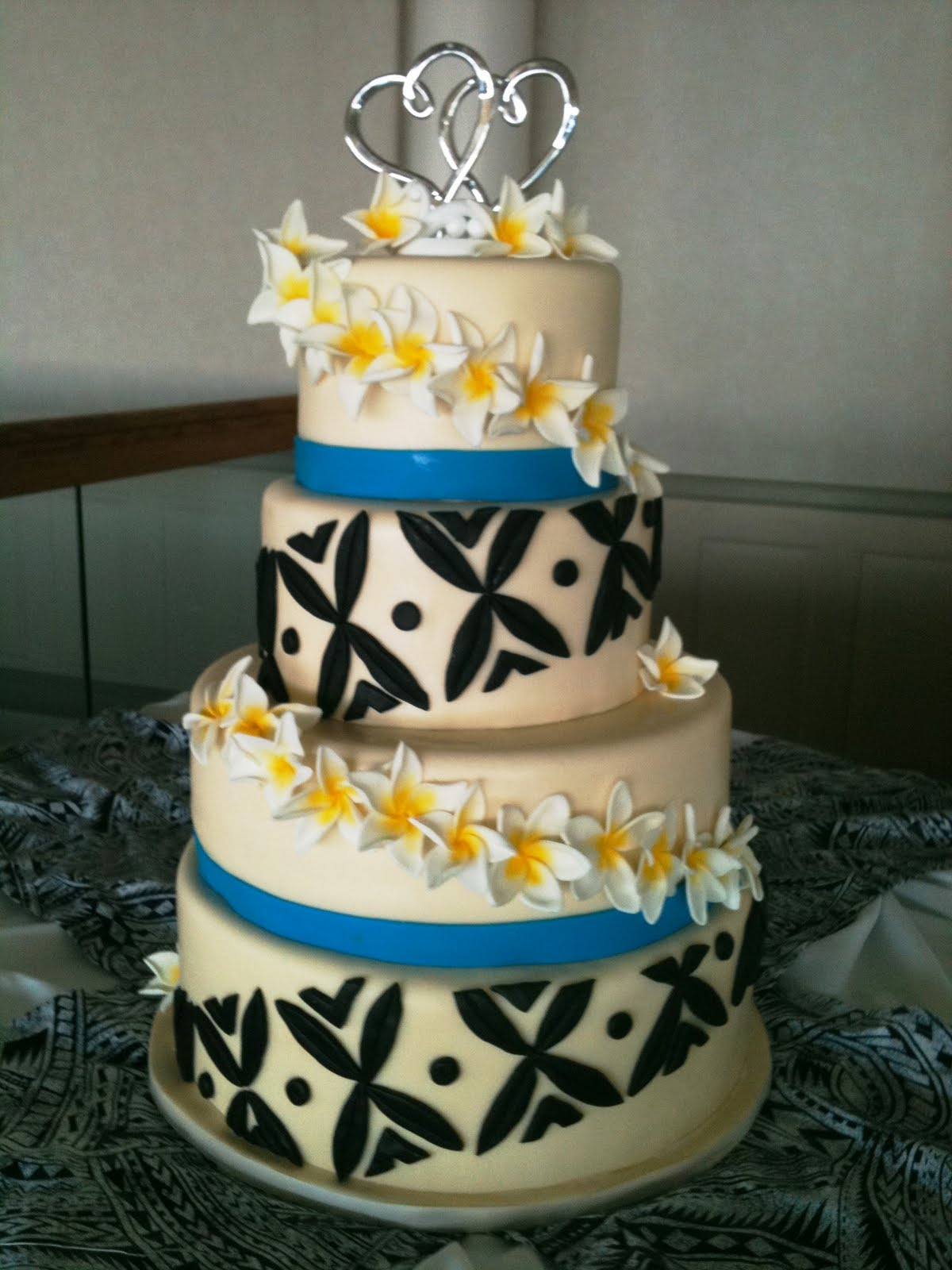 Flour Girl Designs Non Traditional Wedding Cakes Awesome