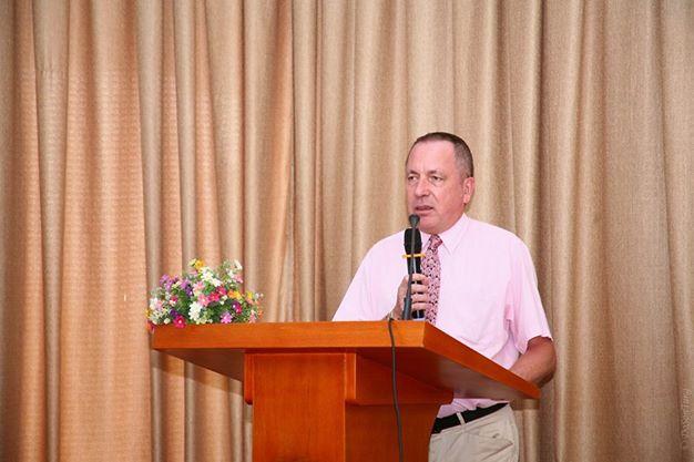 Ông Gérard Gasquet, chánh văn phòng trường USTH phát biểu mở đầu chương trình. Ảnh: Đỗ Sơn Tùng (USTH).