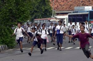 Kelakuan Anak Sekolah Jaman Sekarang