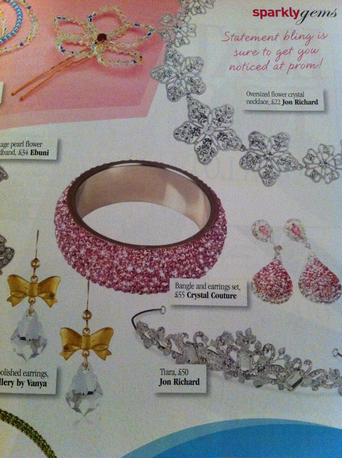 http://1.bp.blogspot.com/-kFXZHPztwIE/T4AO85SOI5I/AAAAAAAACIs/xSThpMgKnTU/s1600/Prom+Magazine++Pink+Bangle+&+Earrings+Set.jpg