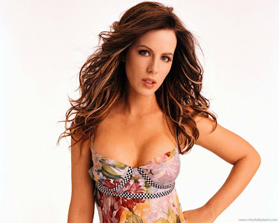 Kate Beckinsale Glam Wallpaper-1600x1200