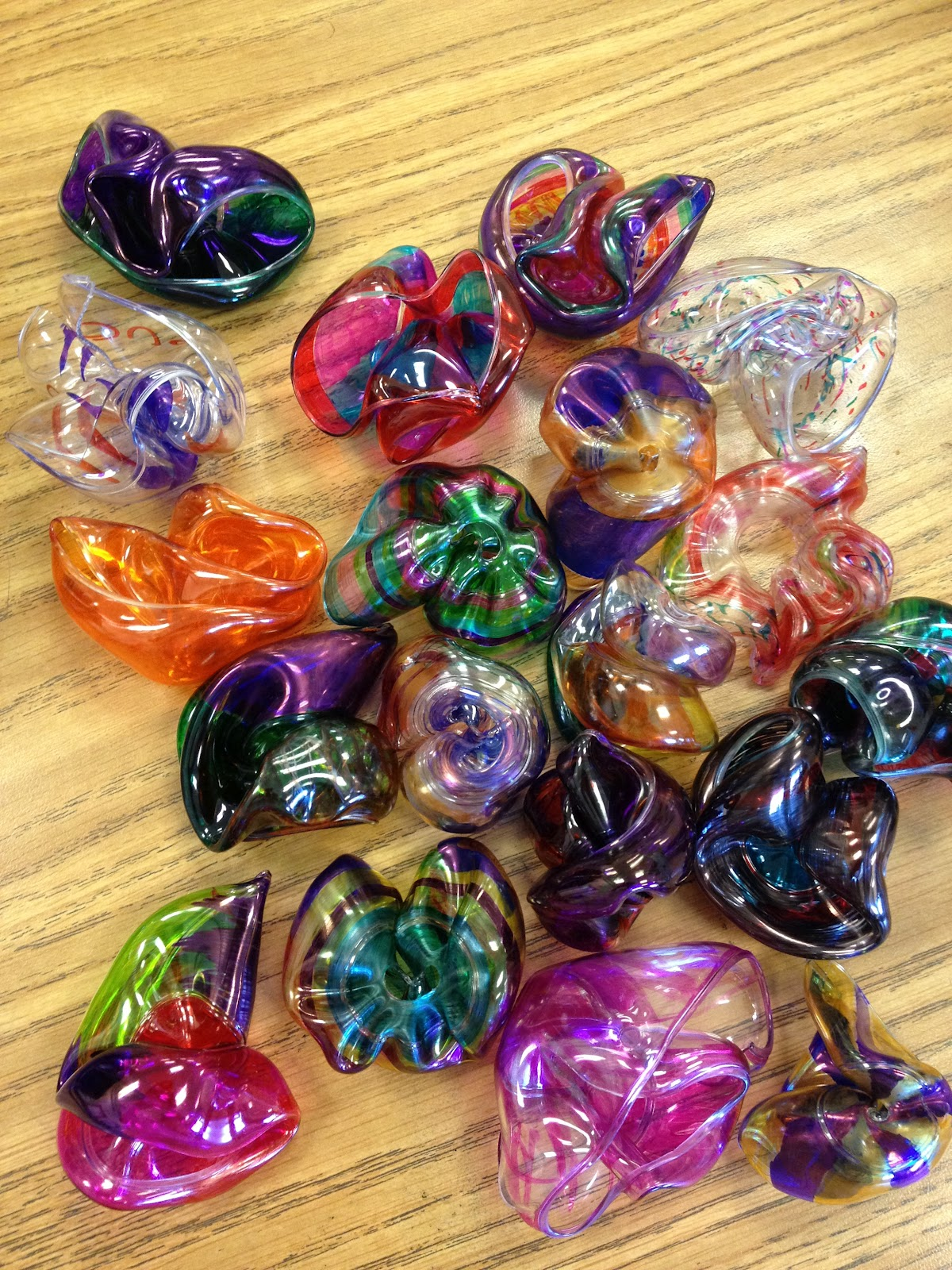 Mizzsmiff 39 s art room melted glass dale chihuly and blobs for Plexiglass arts and crafts