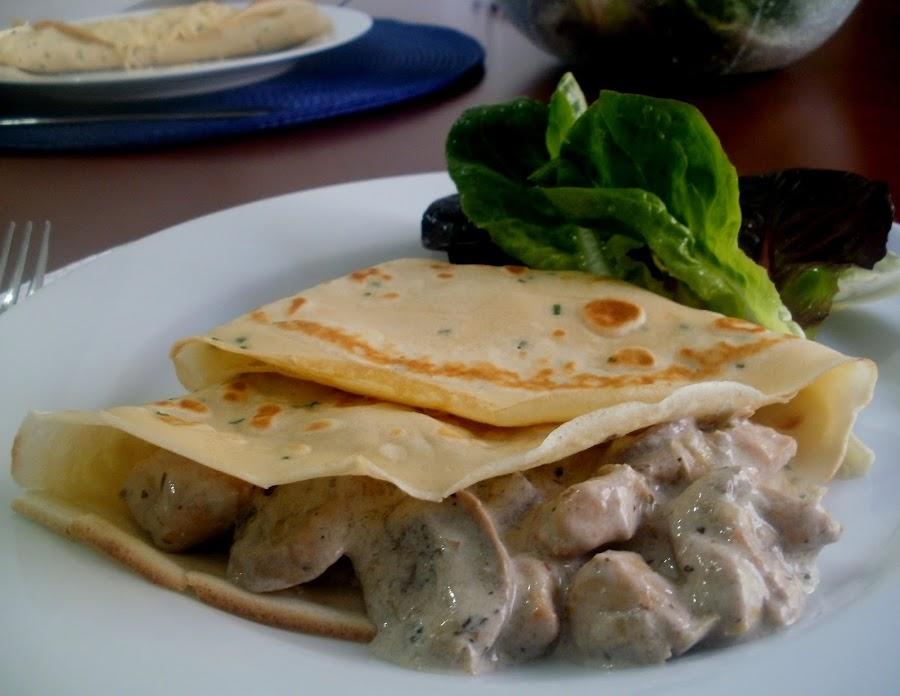 Pollo Con Champiñones y Crema Crepes Con Pollo y Champiñones