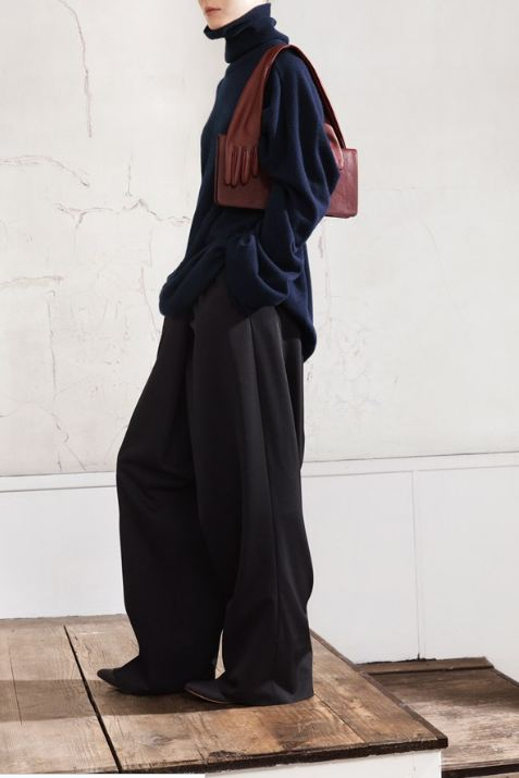 Maison Martin Margiela for HM, Navy oversized pullover, brown glove bag, oversized men's trousers, black leather ballerina pump, designer collaboration, amazing fashion, unique style, fashion, style