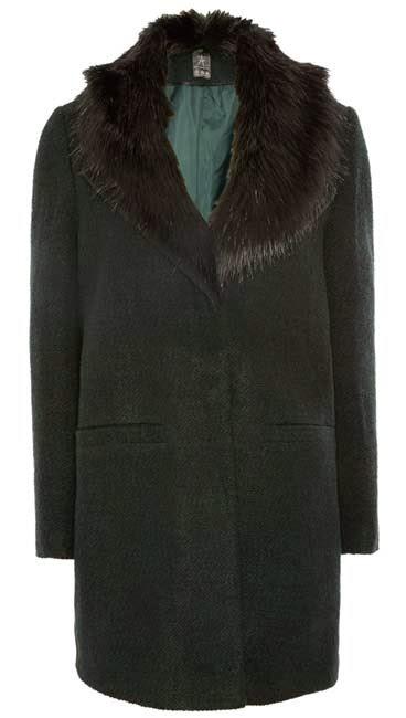 Primark online: abrigo en negro con cuello de pelo