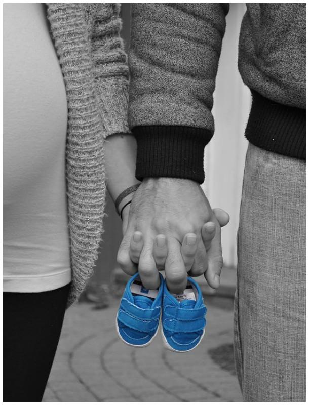 Foto em P&B para revelar que estão esperando um menino!