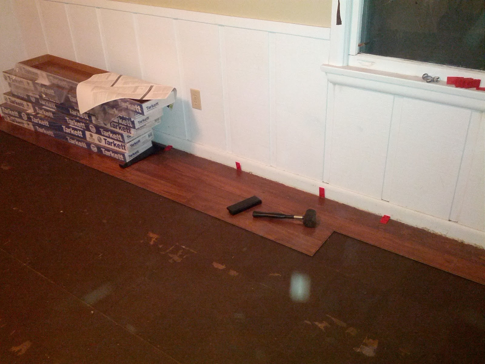 Laminate flooring put underneath laminate flooring for Put a floor under
