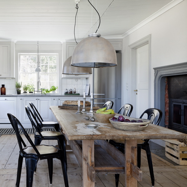 Stockholm Vitt - Interior Design: Beautiful Country Kitchen