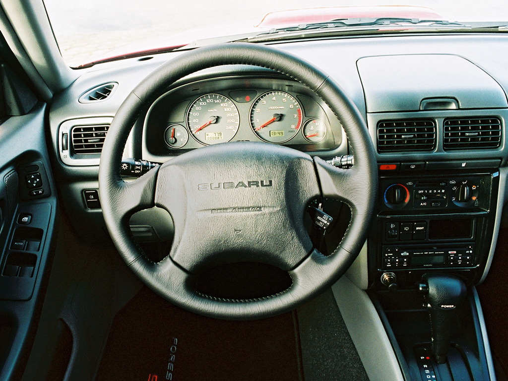 Subaru Forester I-gen. SF 1997 2002 japoński samochód terenowy suv 日本車 スバル wnętrze interior