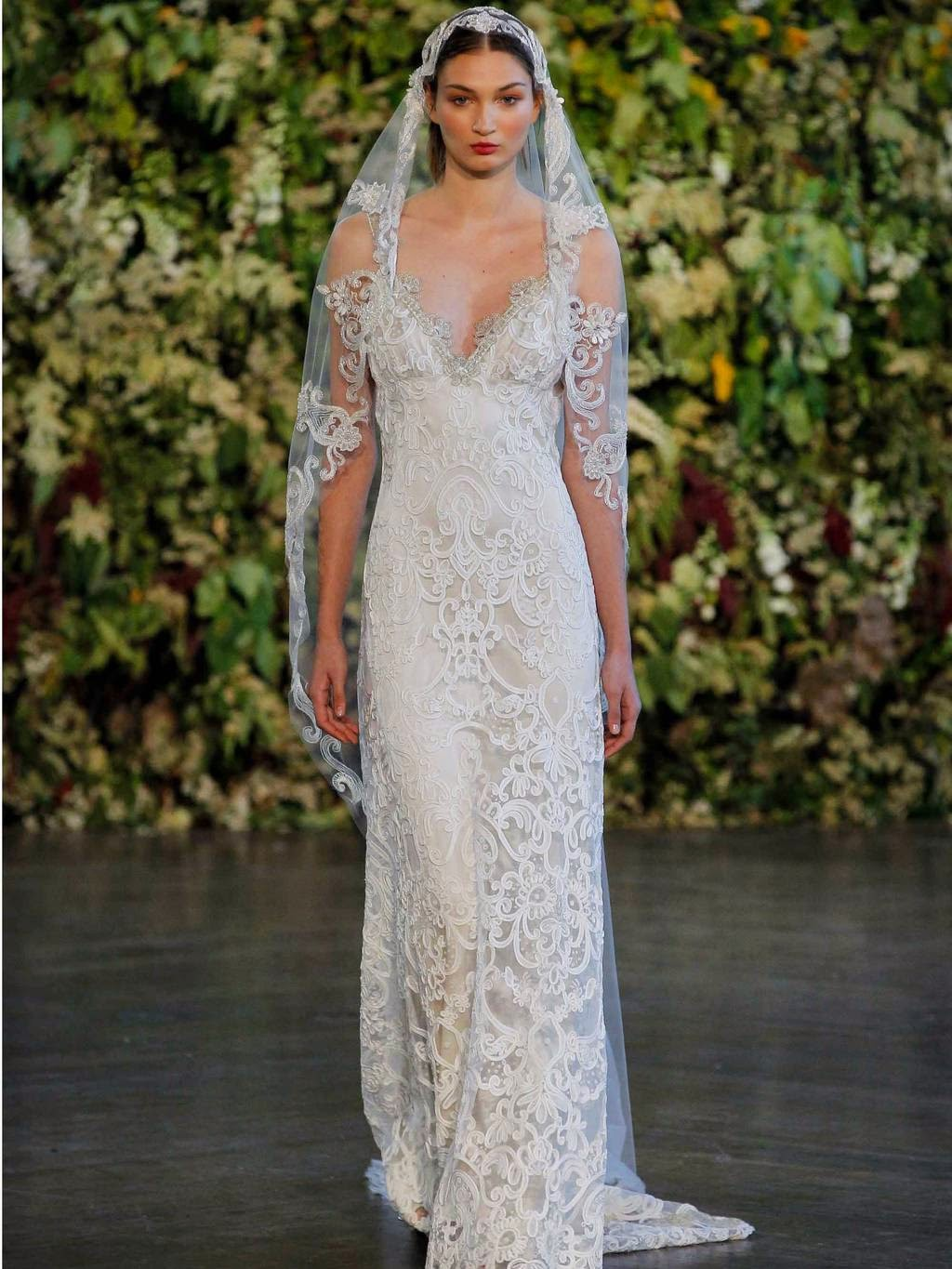 Best wedding dresses from the fall 2015 collections for Wedding dresses for the fall