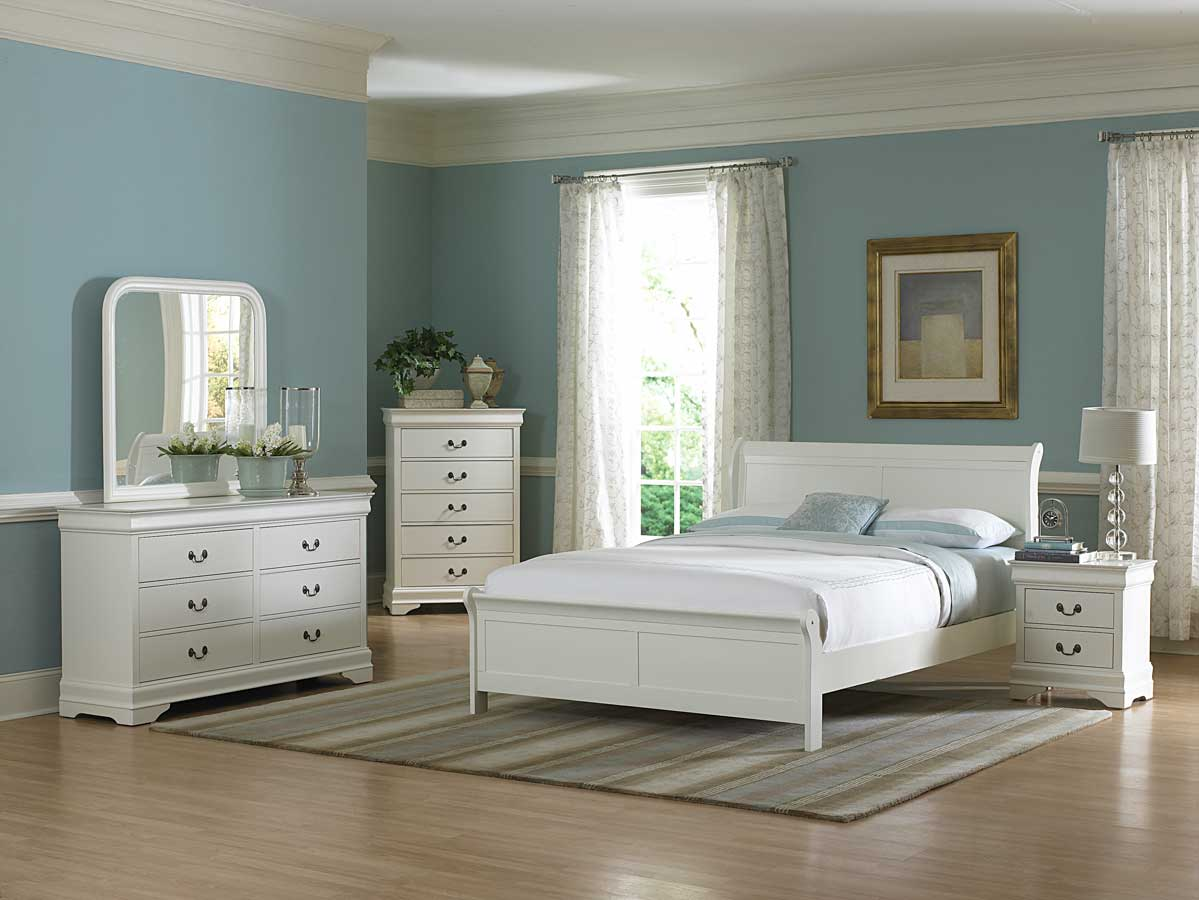 Chic bedroom furniture popular interior house ideas for Bedroom furnishing designs