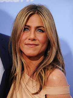 Jennifer Aniston Long Length Wavy hairstyle