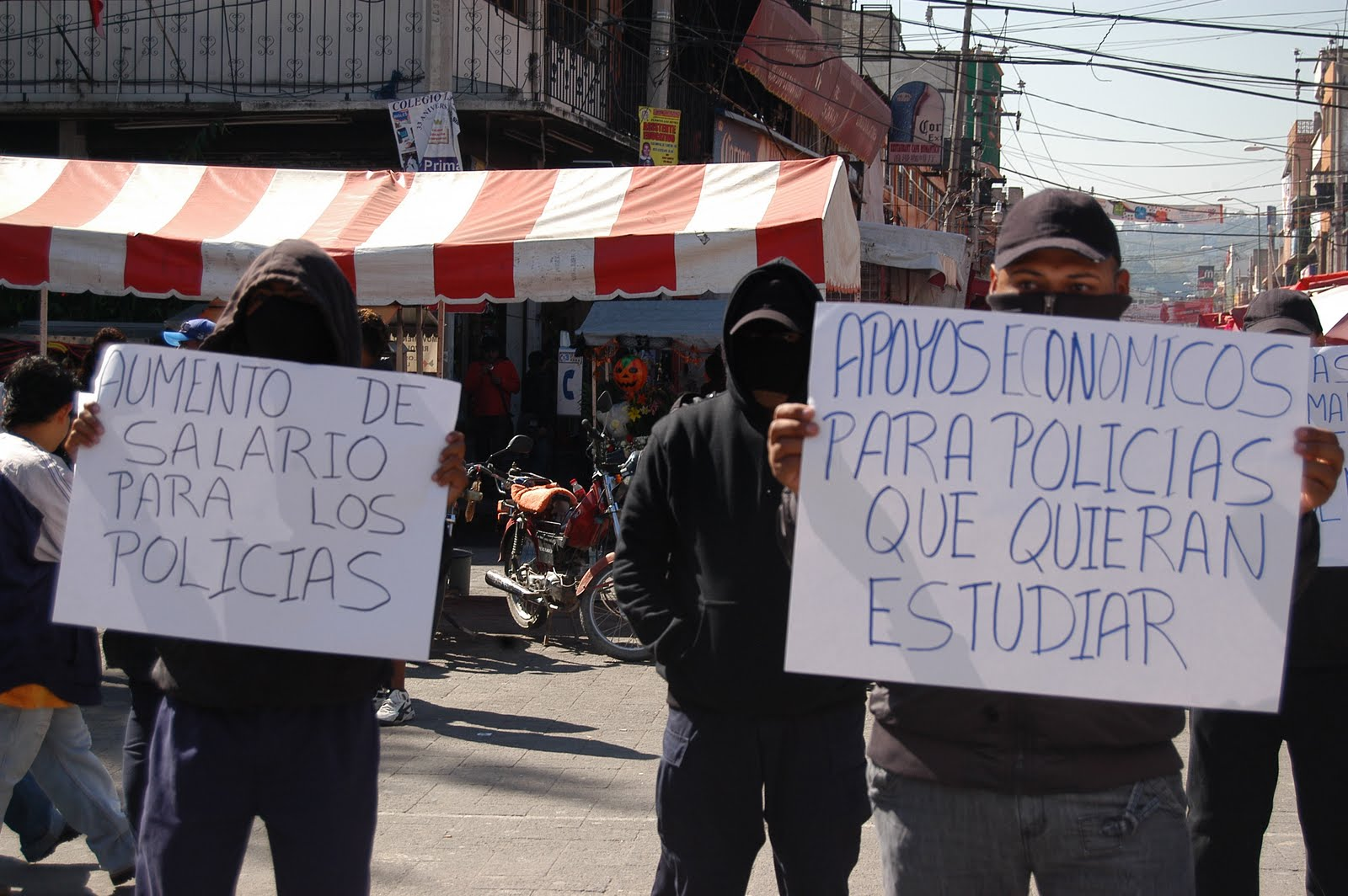 Policías de Los Reyes la Paz denuncian irregularidades   Agencia MANL
