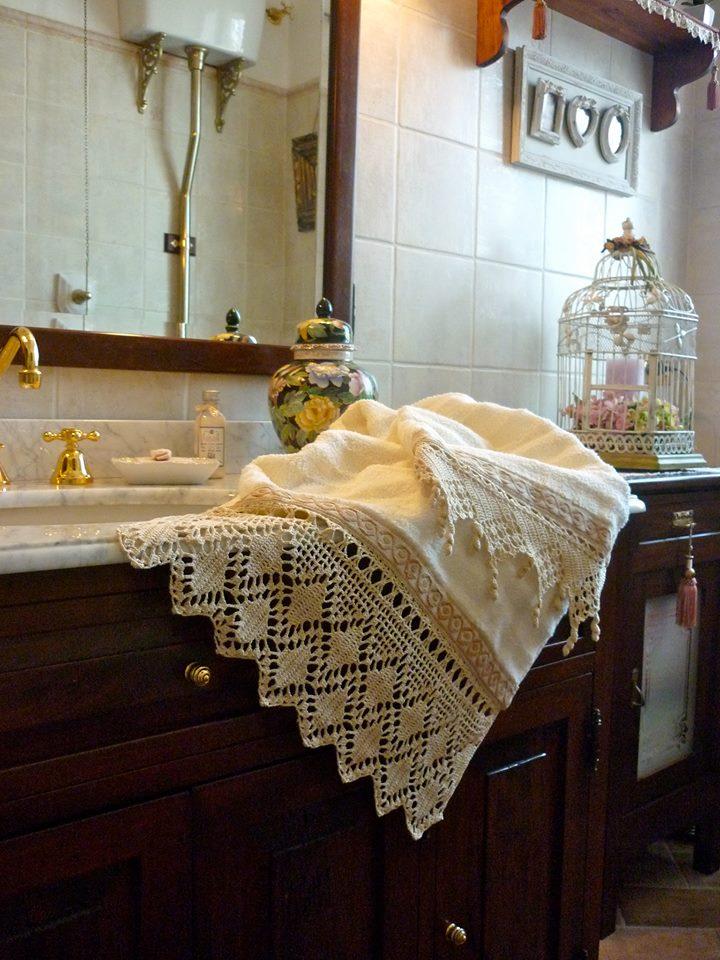 Bagni romantici awesome weekend romantico hotel con vasca for Stile romantico arredamento