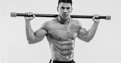 Έχετε άπλετο χρόνο στη διάθεσή σας καθώς και το κουράγιο να προπονείστε 5 ημέρες την εβδομάδα; Θέλετε ένα πρόγραμμα για να αυξήσει τα αποτελέσματα της γράμμωσης και να τονίσει τις λεπτομέρειες στους μυς σας; Τότε ίσως αυτό το πρόγραμμα να σας φανεί χρήσιμο, καθώς συνδυάζει μεγάλα καρδιαγγειακά sessions με ένα έντονο πρόγραμμα με βάρη που εγγυάται ότι θα σας φέρει στα όρια των δυνατοτήτων σας.