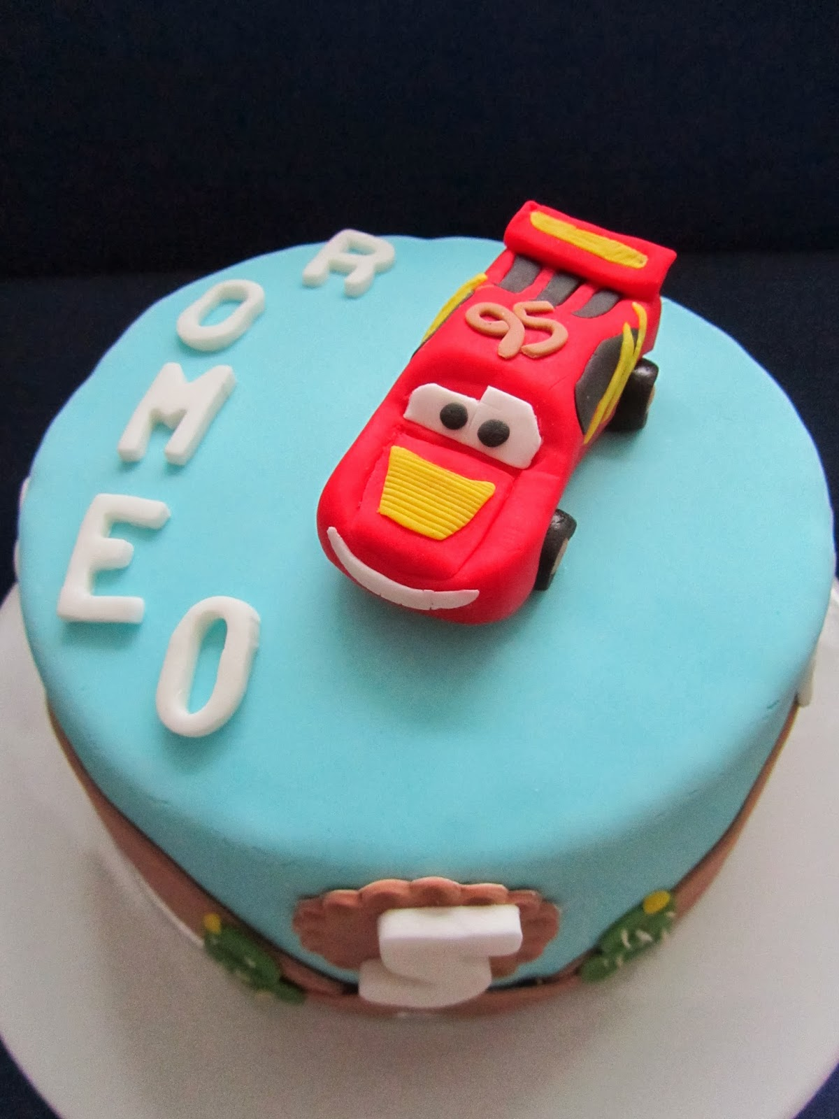 Kaufen cars torte Sweets For
