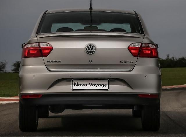 VW Voyage 2013 - porta-malas