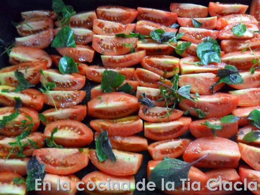 La receta para asar tomates y una idea exquisita para disfrutarlos después