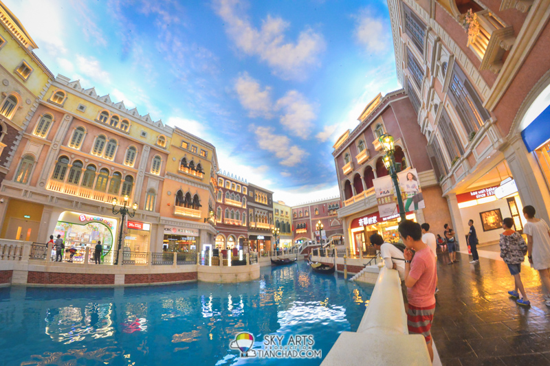 The signature sky interior at Shoppes Macau