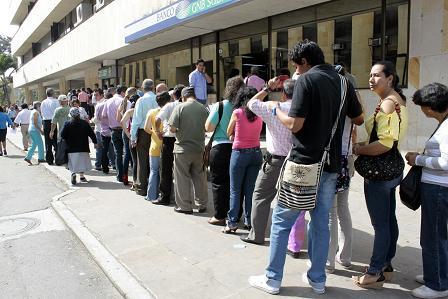 http://1.bp.blogspot.com/-kIIuFO6QnOg/TuczUOR-iaI/AAAAAAAAtUs/8NDg145j8jU/s1600/colas+U+del+Pueblo03.jpg