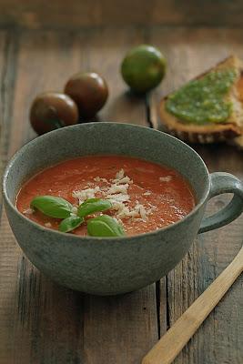 Soupe aux tomates confites au four