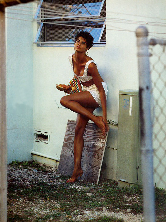Linda Evangelista in Vogue Italia February 1989 (photography: Steven Meisel)