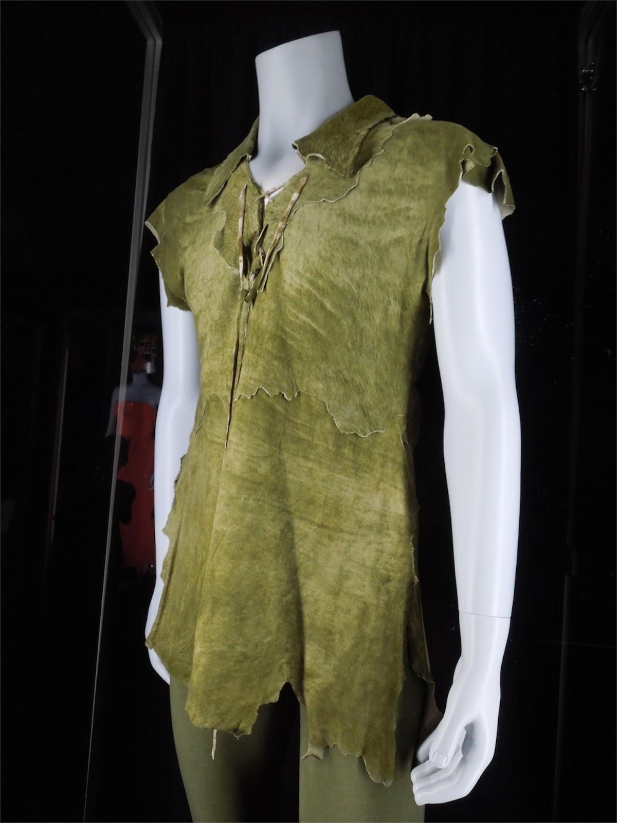 http://1.bp.blogspot.com/-kI_ye2ws2_0/UOsiBAv6rwI/AAAAAAAA9ok/p2sJfKNg7xs/s1600/Baryshnikov+Peter+Pan+costume.jpg