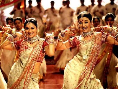 hint, hindistan, india, düğün, wedding, adet, gelenek, başlık parası, drahma, drahoma, srk, shah rukh khan, kajol, indian, henna, beyaz atlı prens, nişan,
