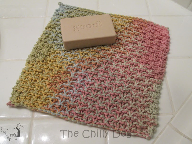 Free Pattern: Learn how to knit a simple cotton washcloth for the bath or kitchen
