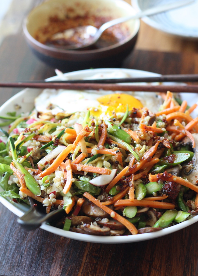 Vegetarian bibimbap recipe with quinoa by SeasonWithSpice.com