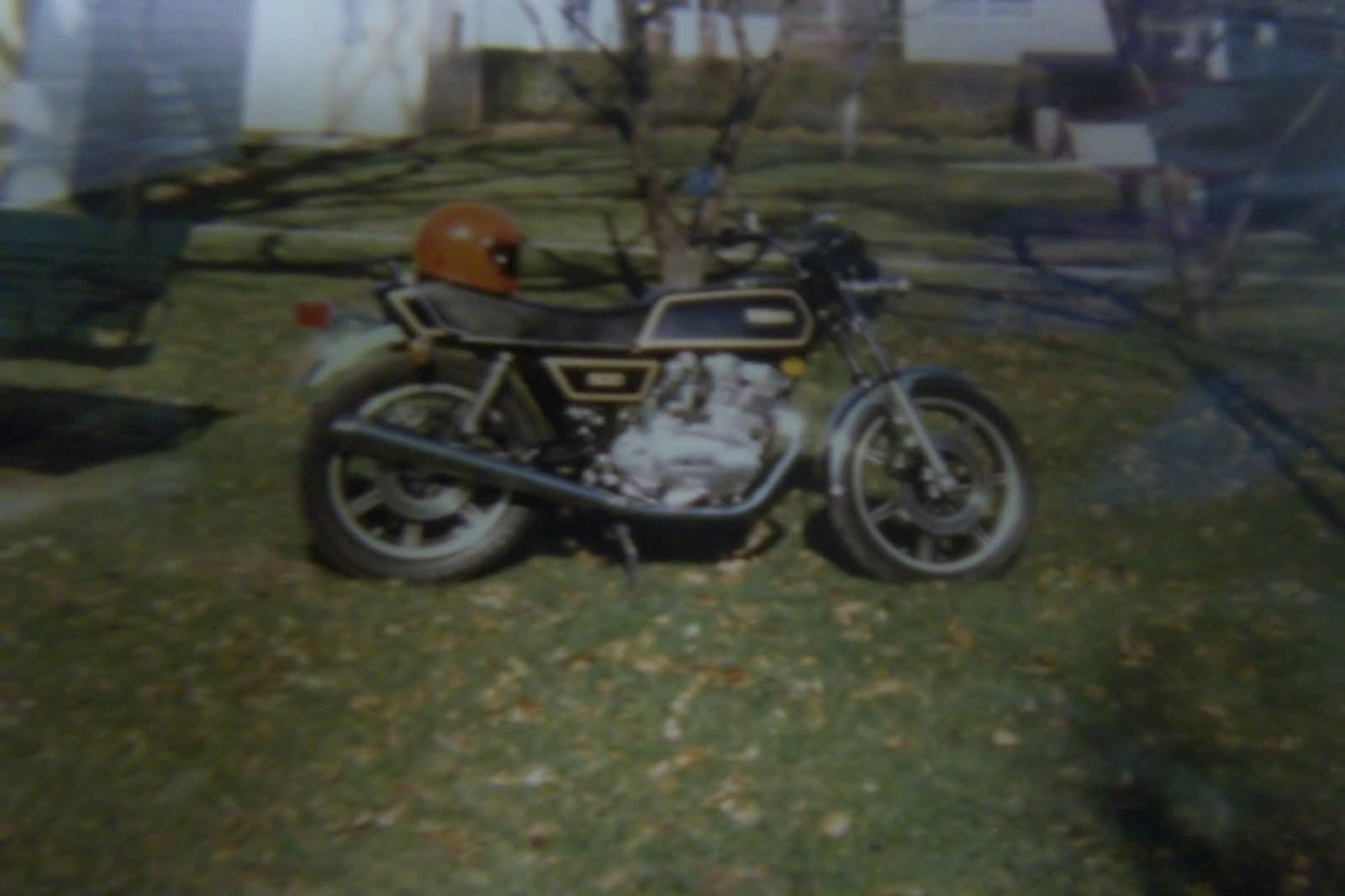 272292217676 as well Mikuni Bst Carburetors also Showthread together with 1977 Yamaha Xs360 1978 Yamaha Xs500 further Jims Fuzzy Pictures Of Fuzzy Xs500. on yamaha xs500 carb